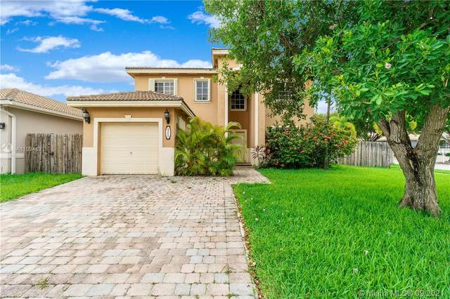 9052 SW 208th Ter, Cutler Bay, FL 33189 (MLS #A11094891) :: Castelli Real Estate Services