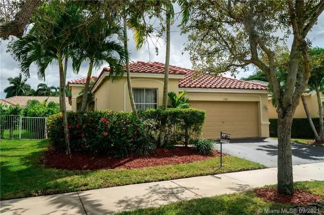 1708 Aspen Ln, Weston, FL 33327 (MLS #A11095504) :: Douglas Elliman