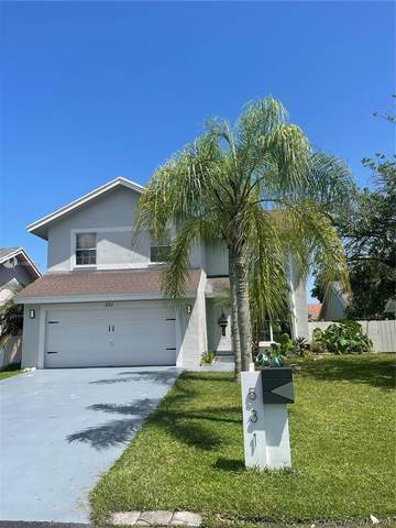531 NW 207th Ave, Pembroke Pines, FL 33029 (MLS #A11096078) :: CENTURY 21 World Connection