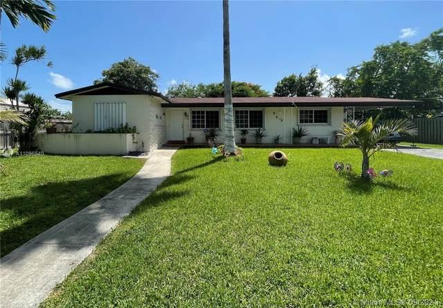 9730 SW 164th St, Miami, FL 33157 (MLS #A11096540) :: Douglas Elliman