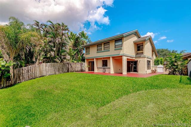4071 SW 83rd Way, Davie, FL 33328 (MLS #A11097631) :: Onepath Realty - The Luis Andrew Group