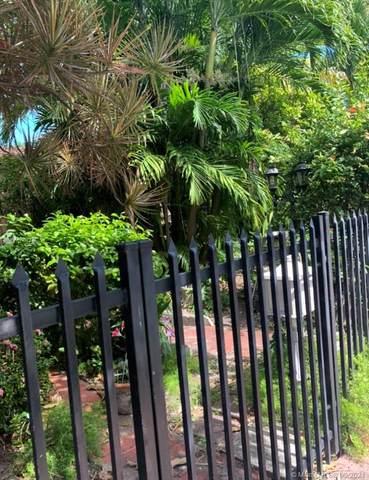 719 Lenox Ave, Miami Beach, FL 33139 (MLS #A11097738) :: Castelli Real Estate Services