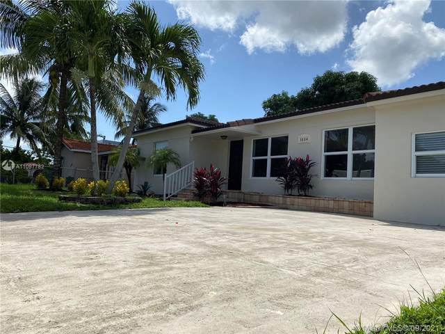 3884 NW 2nd St, Miami, FL 33126 (MLS #A11097782) :: CENTURY 21 World Connection
