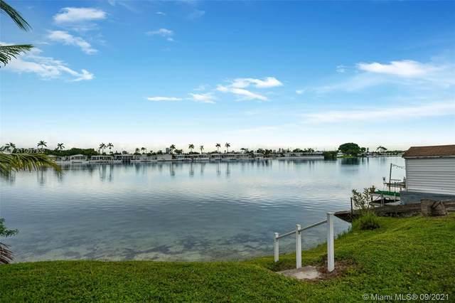 217 W Lake Dr, Pembroke Park, FL 33009 (MLS #A11097932) :: Green Realty Properties