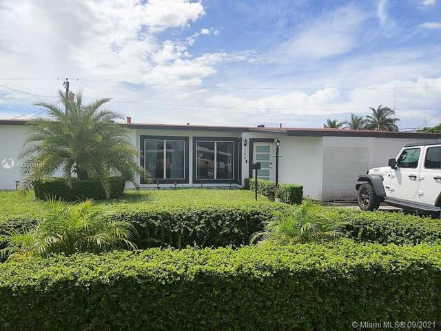 1270 W 61st Pl, Hialeah, FL 33012 (MLS #A11098161) :: The Pearl Realty Group