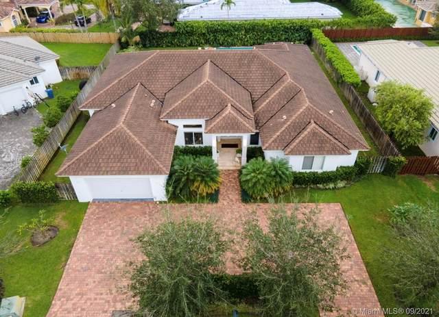 12316 SW 94th Pl, Miami, FL 33176 (MLS #A11098286) :: Douglas Elliman
