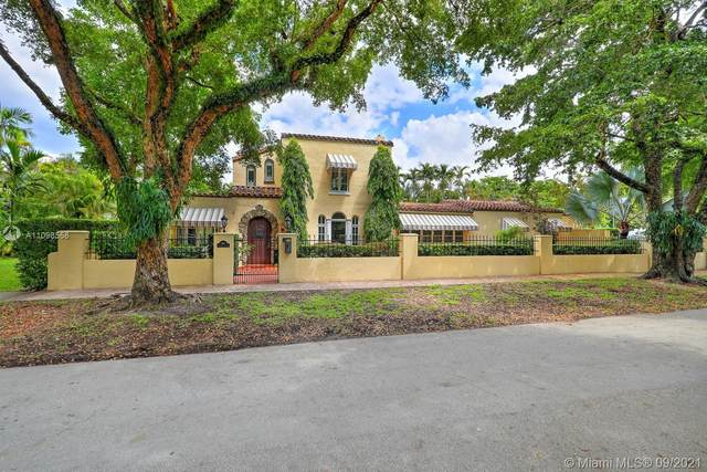 909 Algaringo Ave, Coral Gables, FL 33134 (MLS #A11098558) :: The Rose Harris Group