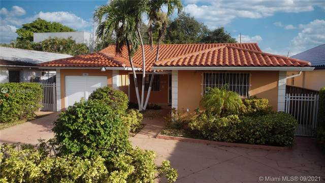 1967 SW 24th Ter, Miami, FL 33145 (MLS #A11098876) :: The Riley Smith Group