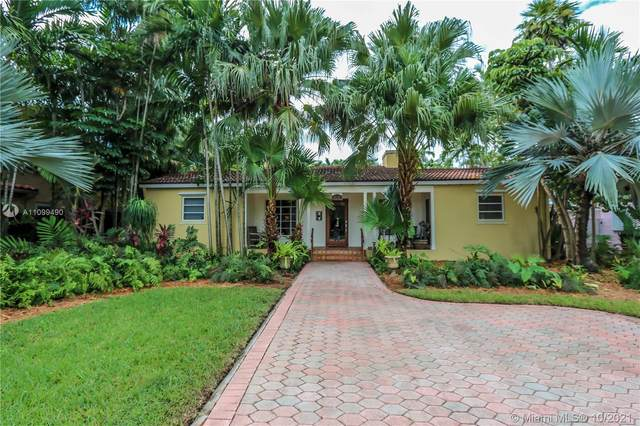 1050 Harrison St, Hollywood, FL 33019 (MLS #A11099490) :: Green Realty Properties