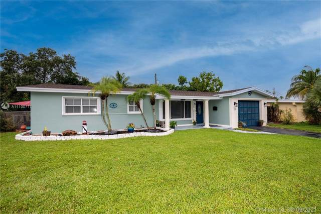 308 S 56th Ave, Hollywood, FL 33023 (MLS #A11100717) :: KBiscayne Realty