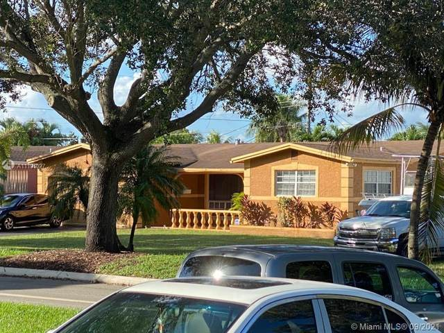 7231 Embassy Blvd, Miramar, FL 33023 (MLS #A11101027) :: All Florida Home Team
