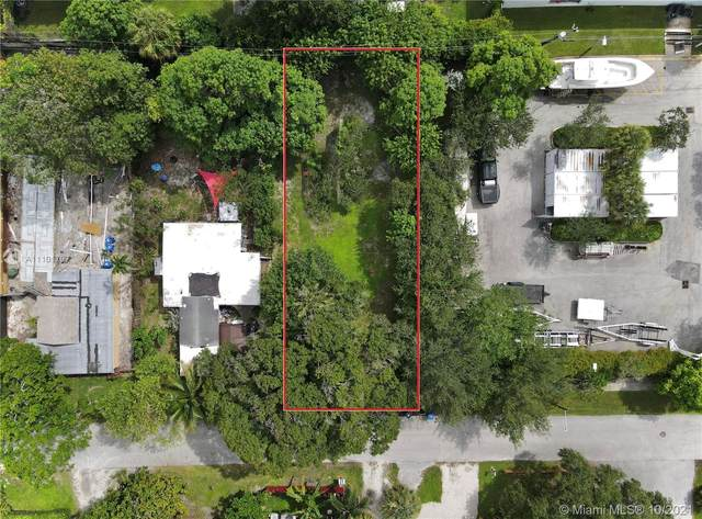 1424 SW 33rd Ct, Fort Lauderdale, FL 33315 (MLS #A11101797) :: Castelli Real Estate Services