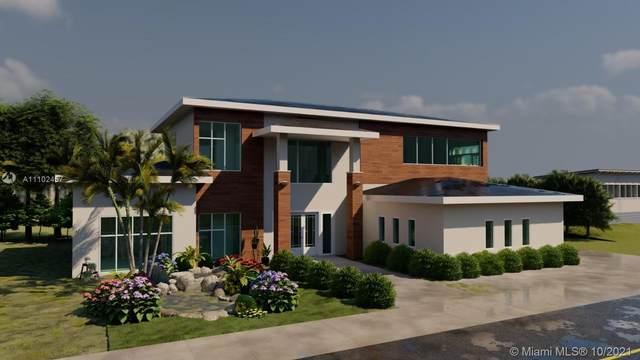7020 SW 94th St, Pinecrest, FL 33156 (MLS #A11102457) :: Rivas Vargas Group