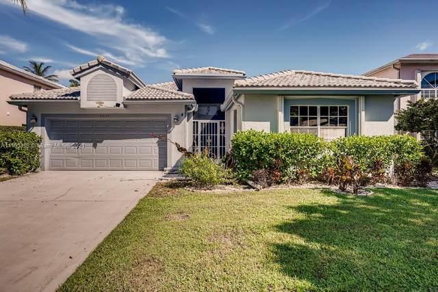 4055 Laurelwood Lane, Delray Beach, FL 33445 (MLS #A11105319) :: Rivas Vargas Group