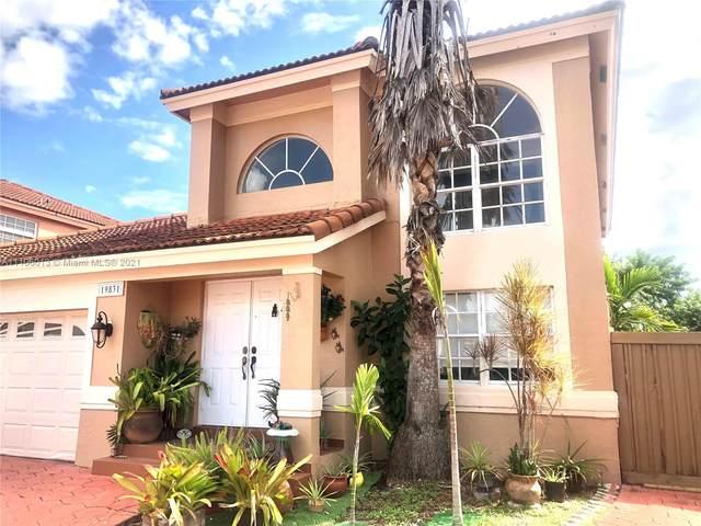 19831 NW 86th Ct, Hialeah, FL 33015 (MLS #A11106013) :: Rivas Vargas Group