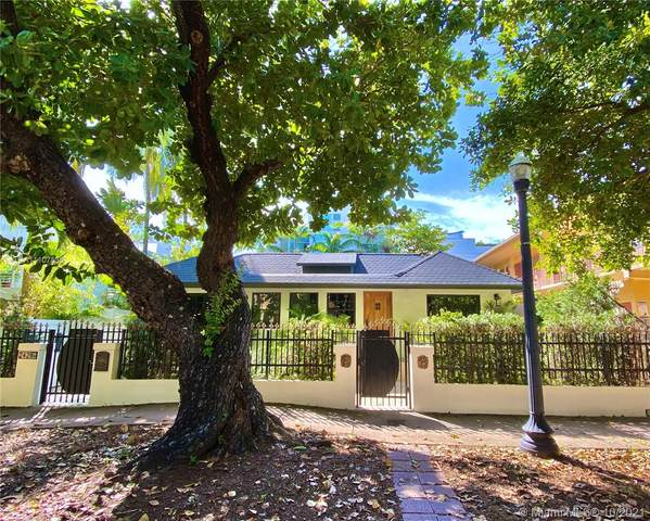 242 Meridian Ave, Miami Beach, FL 33139 (MLS #A11107535) :: Castelli Real Estate Services