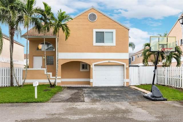 311 NW 102  Ave, Pembroke Pines, FL 33026 (MLS #A11108315) :: Rivas Vargas Group