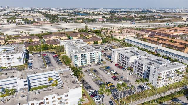 8231 NW 8th St 2-308, Miami, FL 33126 (MLS #A11110892) :: Green Realty Properties