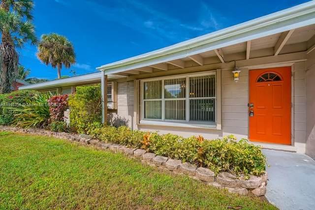 2975 SE Clayton Street, Stuart, FL 34997 (MLS #A11116354) :: Re/Max PowerPro Realty