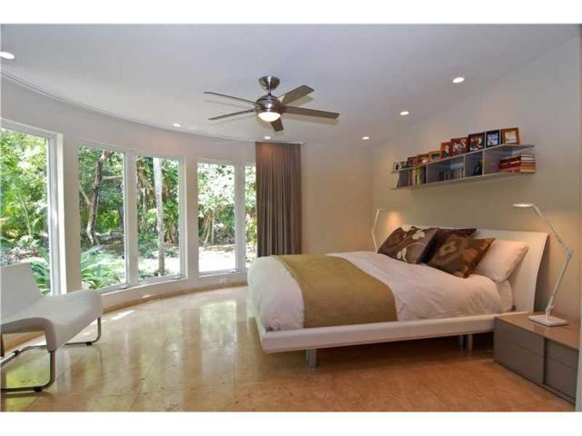 106 W 4th Ct, Miami Beach, FL 33139 (MLS #A10158511) :: The Teri Arbogast Team at Keller Williams Partners SW