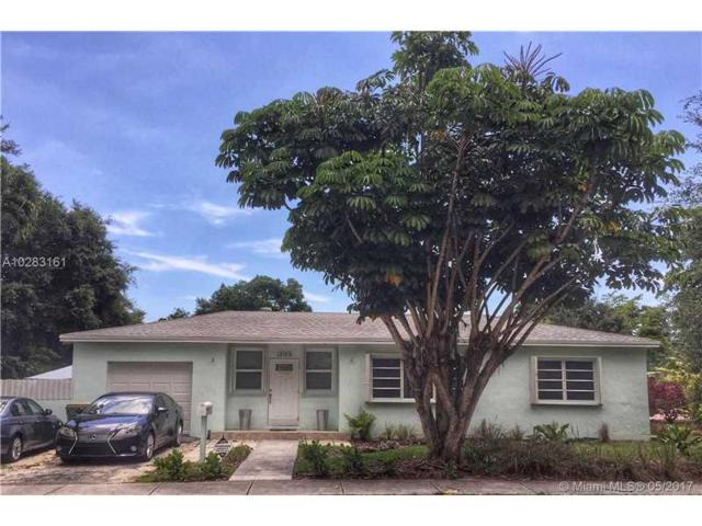 13105 NE 11th Ave, North Miami, FL 33161 (MLS #A10283161) :: Green Realty Properties
