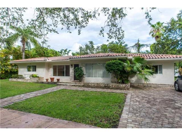 819 Sistina Ave, Coral Gables, FL 33146 (MLS #A10294163) :: The Riley Smith Group