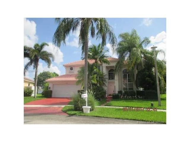 18205 NW 12th St, Pembroke Pines, FL 33029 (MLS #A10298555) :: Green Realty Properties