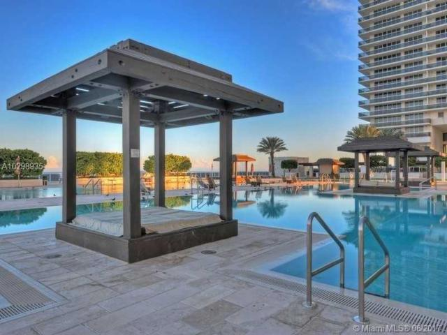 1830 S Ocean Dr #4412, Hallandale, FL 33009 (MLS #A10298935) :: The Chenore Real Estate Group