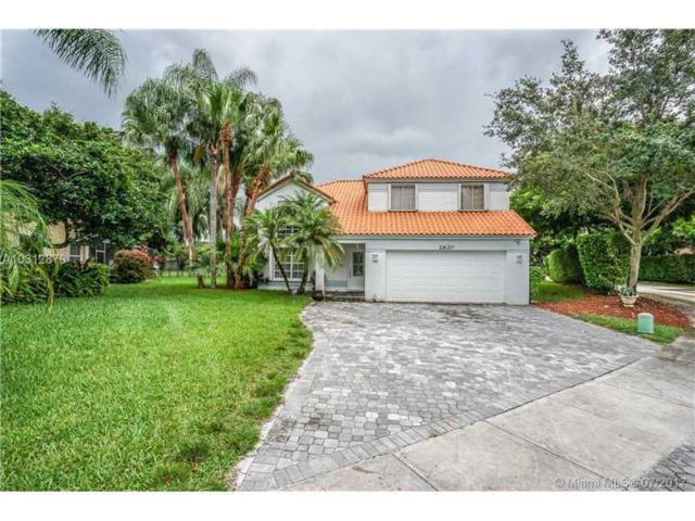 2620 Oak Park Cir, Davie, FL 33328 (MLS #A10312870) :: Green Realty Properties