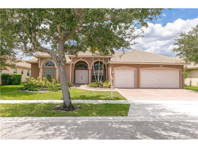 1334 NW 139th Ter, Pembroke Pines, FL 33028 (MLS #A10330173) :: The Chenore Real Estate Group