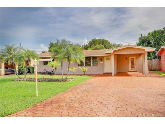 8360 NW 10th St, Pembroke Pines, FL 33024 (MLS #A10331672) :: The Chenore Real Estate Group