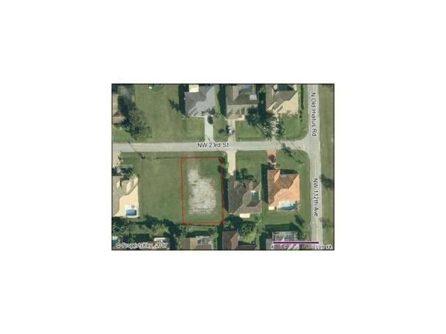 11240 NW 23rd St, Plantation, FL 33323 (MLS #A10338959) :: Stanley Rosen Group