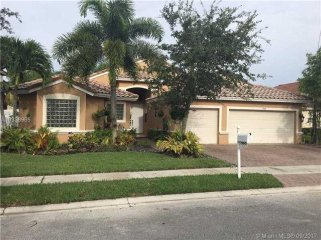 1560 SW 190th Ave, Pembroke Pines, FL 33029 (MLS #A10338965) :: Green Realty Properties