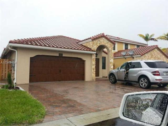 9785 NW 8 TER, Doral, FL 33172 (MLS #A10343464) :: Green Realty Properties