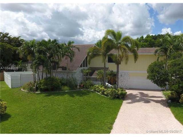 700 Hummingbird Lane, Plantation, FL 33324 (MLS #A10344026) :: Green Realty Properties