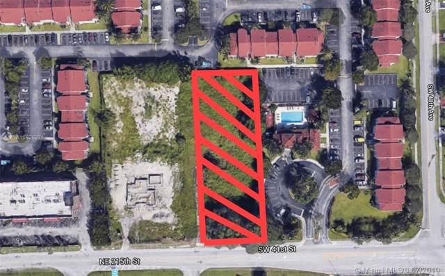 41 Sw St, Pembroke Park, FL 33023 (MLS #A10625274) :: United Realty Group