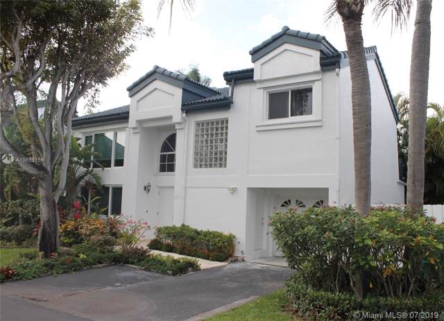 351 NE 212th St, Miami, FL 33179 (MLS #A10653156) :: Berkshire Hathaway HomeServices EWM Realty