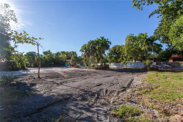 231 Shore Drive East, Miami, FL 33133 (MLS #A10696962) :: Albert Garcia Team