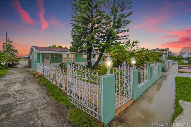 1025 W 33 PL, Hialeah, FL 33012 (MLS #A10713879) :: Berkshire Hathaway HomeServices EWM Realty