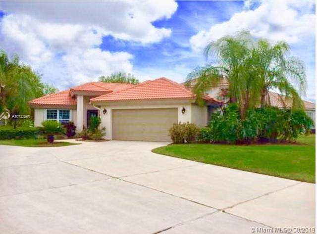 2703 Augusta Drive, Homestead, FL 33035 (MLS #A10742569) :: Ray De Leon with One Sotheby's International Realty