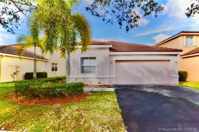 1402 Banyan Way, Weston, FL 33327 (MLS #A10746937) :: Green Realty Properties
