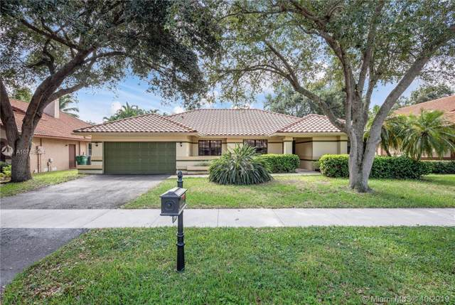 2880 Hidden Hollow Ln, Davie, FL 33328 (MLS #A10748504) :: The Levine Team