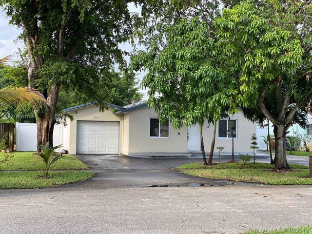 7305 SW 3rd Ct, North Lauderdale, FL 33068 (MLS #A10749372) :: The Adrian Foley Group
