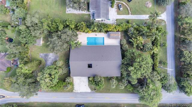 7997 SW 76th Ave, Miami, FL 33143 (MLS #A10775702) :: Green Realty Properties