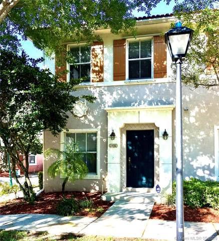 2432 SW 99th Way #2432, Miramar, FL 33025 (MLS #A10778090) :: The Riley Smith Group
