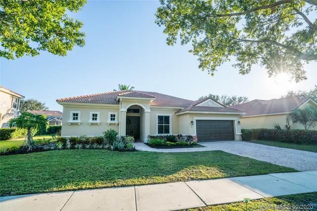 1109 Lakeshore Dr, Jupiter, FL 33458 (MLS #A10780625) :: Green Realty Properties