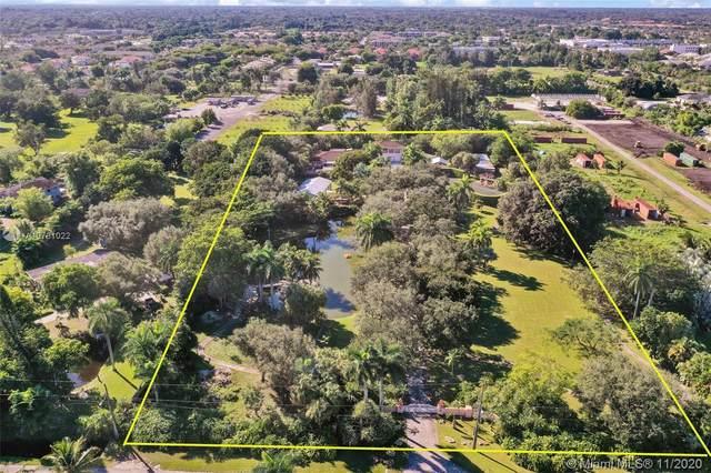 5075 SW 73rd Ave, Davie, FL 33314 (MLS #A10781022) :: Green Realty Properties