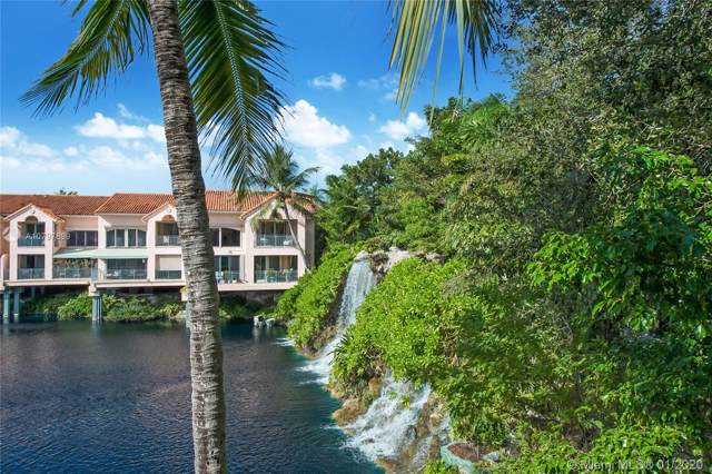 8800 SW 67th Ct, Pinecrest, FL 33156 (MLS #A10797899) :: The Adrian Foley Group