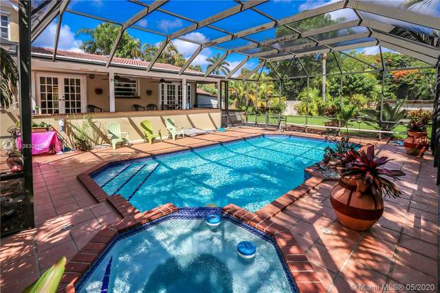 10801 SW 102nd Pl, Miami, FL 33176 (MLS #A10830610) :: The Riley Smith Group