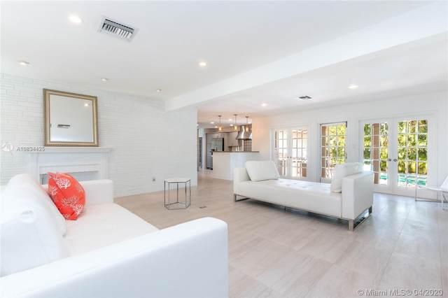 1435 Washington St, Hollywood, FL 33020 (MLS #A10834425) :: Lucido Global
